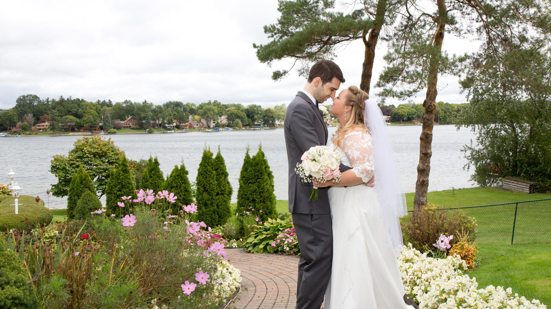 Vanessa & Michel @ Victoria Wedding Chapel in Waterford, Michigan